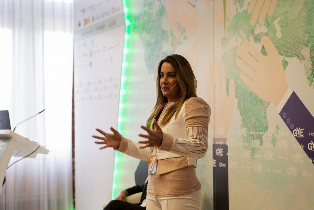 Microvídeo de Karla Mawcinitt, Presidenta de la Fundación por México